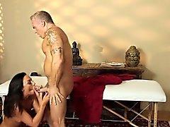 Sexy babe sucks masseur