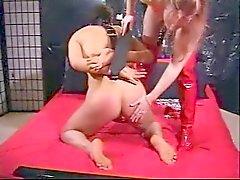Pelirroja Mistress Strapon su esclava