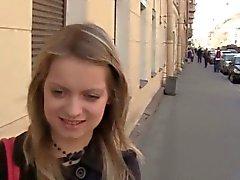 Litet amatören casting tjej blir påsatt