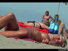 Beach voyeur HD Video SpyCam Milfs