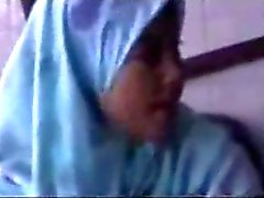 awek tudung hiddencam part 1
