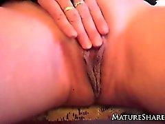 Maturité bébé dans les sexy lingerie Jouet jeu