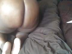 Big booty bitch swallowing cum