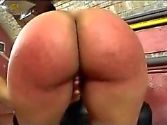 Spanked ed dalle dita Big Ass seconda xLx