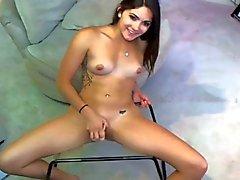 Giocattoli di Astel figa di davanti alla di webcam