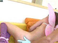 Chica adolescente de se boca y el coño jodido