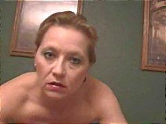 Sexy roughtalking Cougar tupakointi seksiä