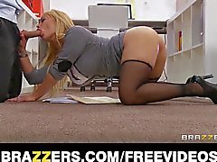 Office slut Shyla Stylez gets a good fuck to destress