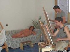 Vieille garce fait ramoner de deux jeunes de peintres