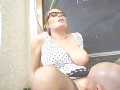 Bir busty Öğretmen Alexis Mayıs