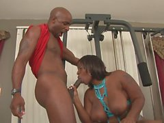 Kinky ebony slides on hunks cock while he excersizes