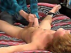 Stiliga hängde män och glad Porr bilder enbart Gamla man naken