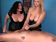 Kognitiivinen masseuses Amberin sekä Elaine hallitsisi