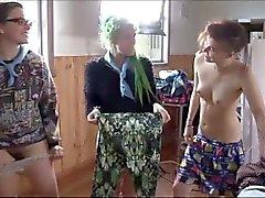 Amateur lesbisch Gruppe muffdive