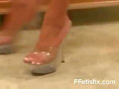 Seductive Foot Fetish Gal Wild Makeout