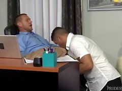Daddy Rough Fucks Latino Boy Ystävä Hard aikana lounastauko