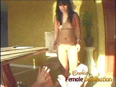 Kinky pantie sniffing pervertido recebe sorte depois de ser chutado