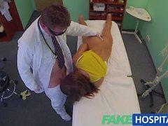 FakeHospital Çarpıcı brunette doktora ihtiyacý var