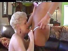 Sexy Mature Cougars Pussy Licking