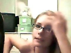 Pipe fellation avec des lunettes