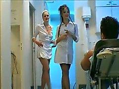 3-way punheta enfermeira