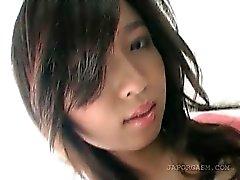 Asian teen dolce metà ottiene figa hairy Sottogonna presa in giro