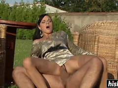 Outdoor fun with a kinky brunette gal