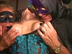Big clit masked MILF cums like crazy in Trapeze swingclub