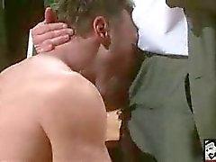 Hetero mannen die graag neuken homo kontjes