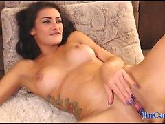 Webcam tatuointi tyttö kiusaamisen paljaalla keho