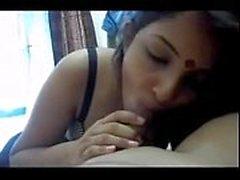 Calda moglie indian cheating con il marito