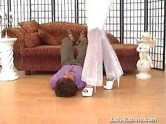 joanne Facesitting valkoiset housut arse