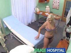 FakeHospital Patient hon tror är i virussjukdomen
