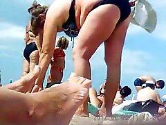 Russe la matures sur la plage de ! Caméra cachée amateurs !