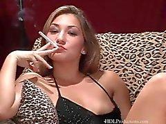 Roxy Jezel - Tupakointi Fetish klo Dragginladies