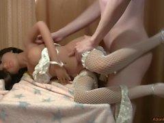Bir tabaklanmış bebek kız lanet