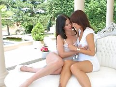 Cassie Right and Suzy Rainbow in Outdoor strapon fun le