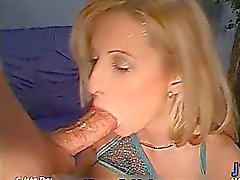 Busty blonde Luder geilt sich Ansaugen part4
