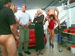 suututtaa osapuoli autotyypin autotalli