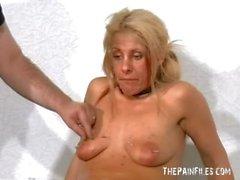 Slave bionda cerato perforazione nel cinema del bdsm disordinate della inglese fetish diretta pornostar