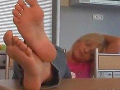 Sandra sleepy feet