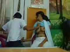 gf indiano in studio fotografico
