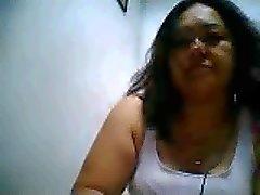 Rose Filipina masturberen en spelen tieten op ym