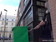 Blonde amateur exhibitionist Amber West