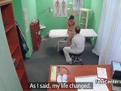 Tatuointipistettä mirri babe Fucked lääkäriin