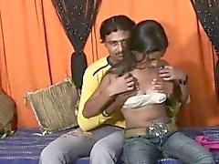 precioso bebé indio que follan