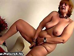 Gamla naken hemmafru suger stor