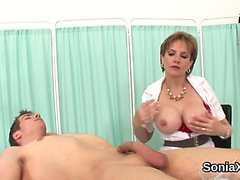 Unfaithful uk mature lady sonia shows off her heavy balloons