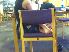 Gorgeous Arab/Indian Goddess Candid Hot Feet 2 (with Face !!)