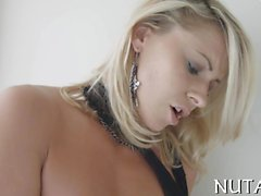 Charming chick feels well playing a solo act with her pussy